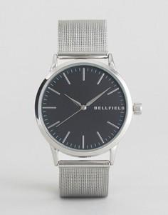 Часы с серебристым ремешком-сеточкой и черным циферблатом Bellfield - Серебряный