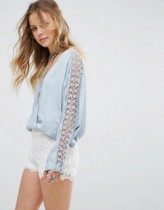 Блузка с кружевной отделкой на рукавах Free People Runaway - Синий