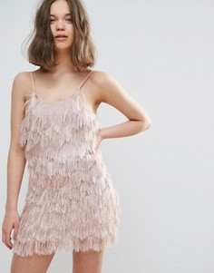 Платье на бретельках с бахромой Glamorous - Розовый