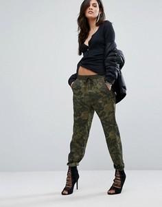 Камуфляжные брюки G-Star - Зеленый