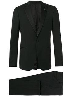 костюм на одну пуговицу Lardini