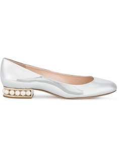 туфли из лакированной кожи с отделкой жемчугом Nicholas Kirkwood