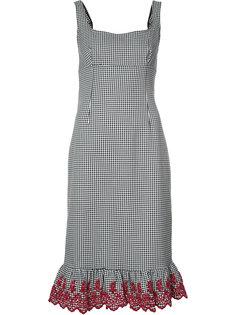 клетчатое платье с вышивкой и оборкой Altuzarra