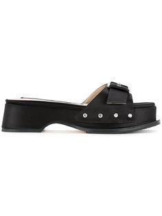 сандалии с пряжкой Nº21