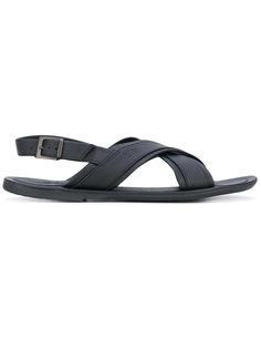 сандалии с перекрещенными ремешками Fabi