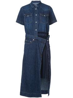 джинсовое платье с плиссированной панелью Sacai