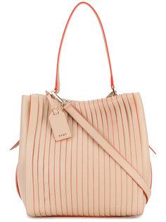 сумка среднего размера с плиссировками DKNY