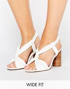 Босоножки на каблуке для широкой стопы ASOS TALLULAH - Белый