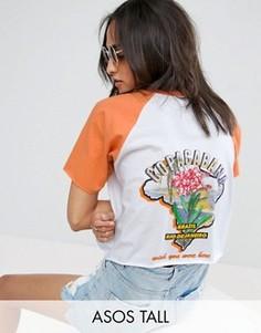 Свободная футболка с контрастными рукавами реглан и принтом ASOS TALL - Мульти