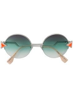 солнцезащитные очки с круглой оправой Fendi