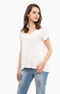 Белая хлопковая футболка с треугольным вырезом Hilfiger Denim