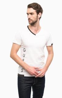 Белая футболка с контрастным принтом Guess