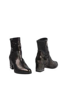 Полусапоги и высокие ботинки Conni
