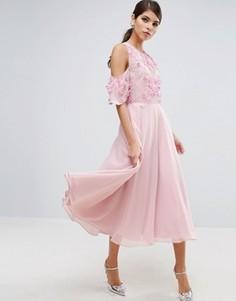 Приталенное платье миди с цветочной отделкой на лифе и открытыми плечами ASOS - Мульти