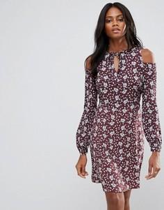 Платье с открытыми плечами и цветочным принтом Liquorish - Мульти