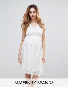 Короткое приталенное платье с ажурной отделкой Mamlicious - Белый Mama.Licious