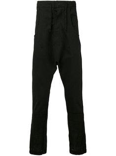 укороченные брюки с заниженной проймой Andrea Yaaqov