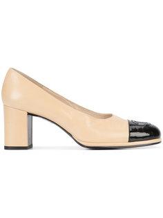 двухцветные туфли-лодочки с закругленным носком Chanel Vintage