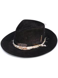 шляпа с пером Nick Fouquet