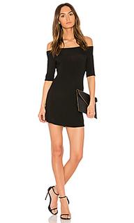 Платье с открытыми плечами toni - Riller & Fount