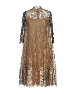 Платье до колена Biyan