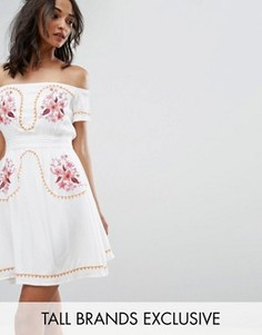Платье с открытыми плечами и вышивкой в стиле фолк Glamorous Tall - Кремовый