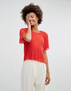 Полупрозрачная плиссированная футболка Monki - Красный