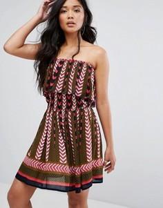 Платье-бандо с геометрическим принтом Boohoo - Мульти