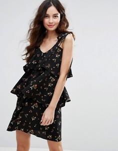 Платье мини с цветочным принтом и рюшами Fashion Union - Черный