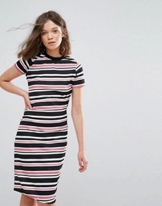 Облегающее платье в полоску Daisy Street - Розовый