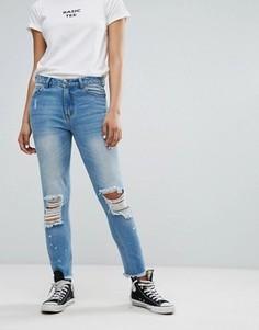 Джинсы в винтажном стиле с рваной отделкой и принтом Daisy Street - Синий