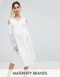 Платье с открытыми плечами и кружевными рукавами Bluebelle Maternity - Белый