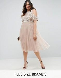 Короткое приталенное платье с открытыми плечами и отделкой Lovedrobe - Розовый