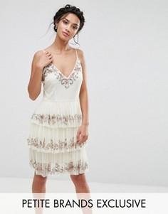 Декорированное платье мини с рюшами Maya Petite - Розовый