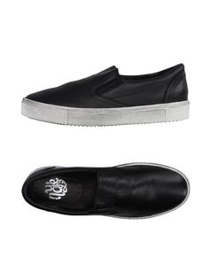 Низкие кеды и кроссовки NayÉ