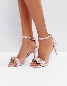 Золотистые босоножки на каблуке с цветочной отделкой Dune Magnolea - Медный