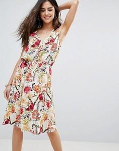 Короткое притпленное платье с цветочными вставками Soaked In Luxury - Мульти