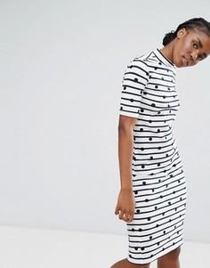 Облегающее платье миди в полоску с высоким воротником Pieces - Бежевый