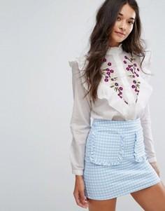 Блузка с оборками и цветочной вышивкой New Look - Белый