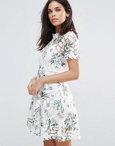 Кружевное платье с цветочным принтом Liquorish - Белый