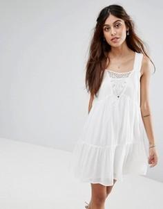 Свободное ярусное платье с кружевной отделкой Vila - Белый