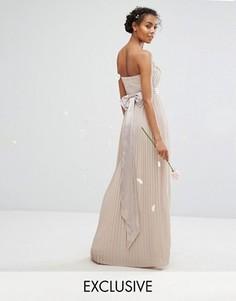 Платье макси с лифом-бандо и бантом на спине TFNC WEDDING - Коричневый