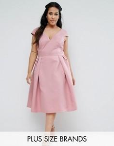Платье миди с V-образным вырезом и короткими рукавами Chi Chi London Plus - Розовый