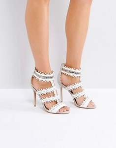 Босоножки на каблуке с плетеными ремешками Forever Unique - Кремовый