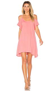 Легковесное платье из джерси с открытыми плечами - Bobi