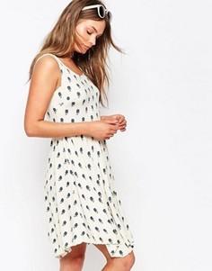 Платье-майка с цветочным принтом и асимметричным подолом New Look - Кремовый