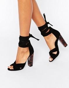 Сандалии на блочном каблуке с переплетенным ремешком Missguided - Коричневый