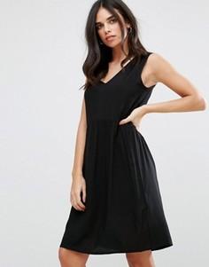 Приталенное платье Soaked In Luxury - Черный