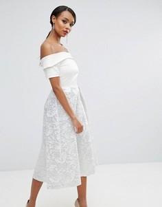 Платье для выпускного с открытыми плечами и жаккардовой юбкой металлик Vesper - Белый