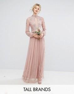 Декорированное платье макси с воротником-стойкой и вырезом капелькой Maya Tall - Розовый